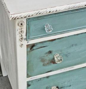 peindre avec de la peinture la craie les trucs et astuces. Black Bedroom Furniture Sets. Home Design Ideas
